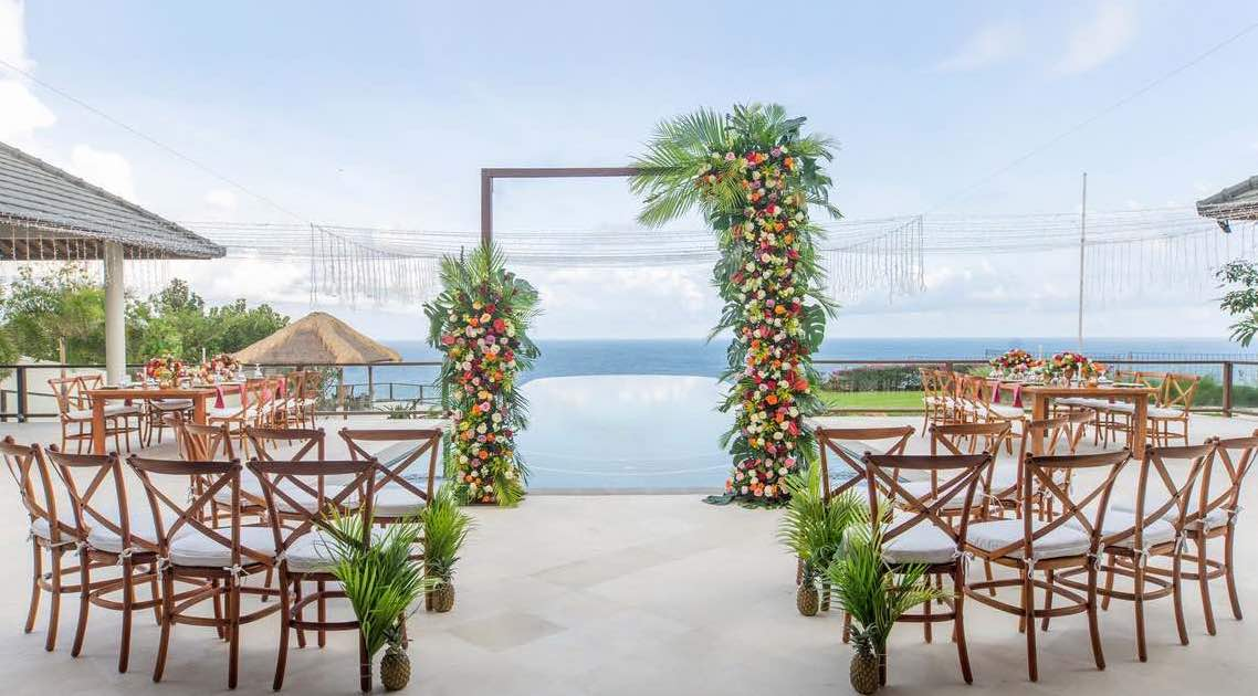 vila bale agung - bali wedding villas