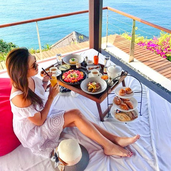 The Cliff Bar - 'The Edge' - places for high tea bali