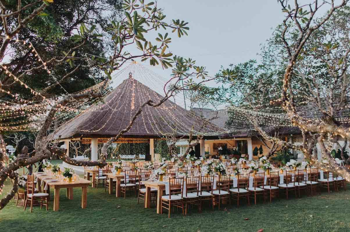 Alix & Liam Bali beach wedding